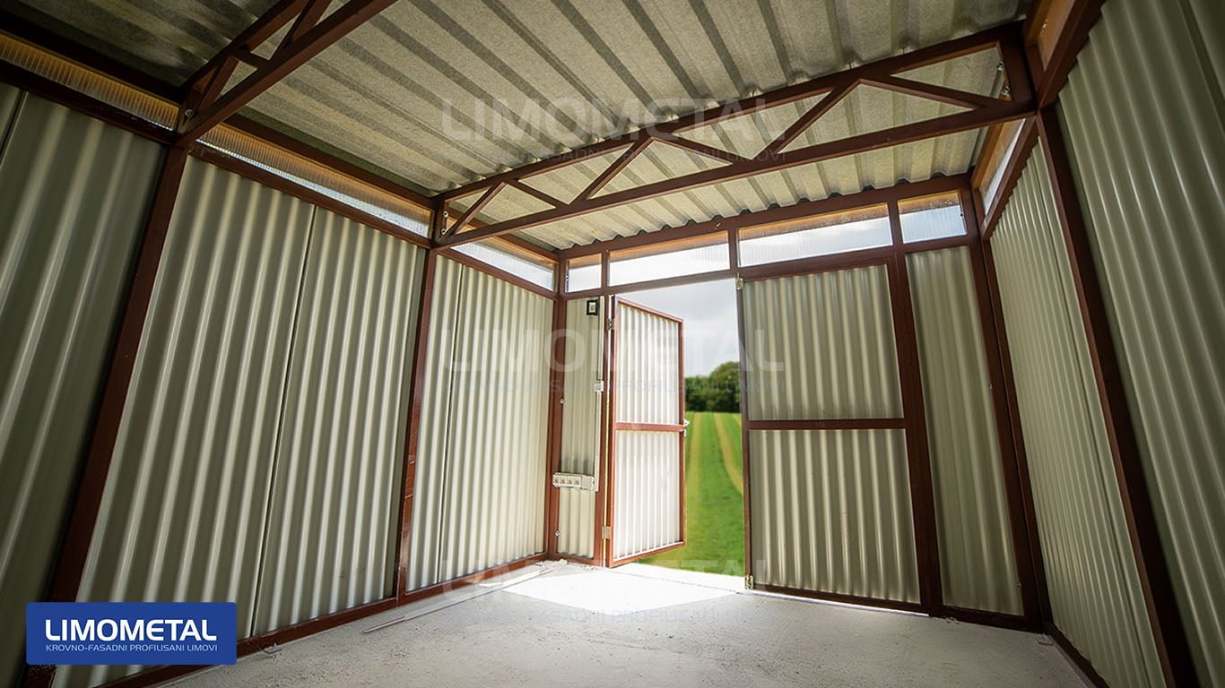 dvorisna garaza