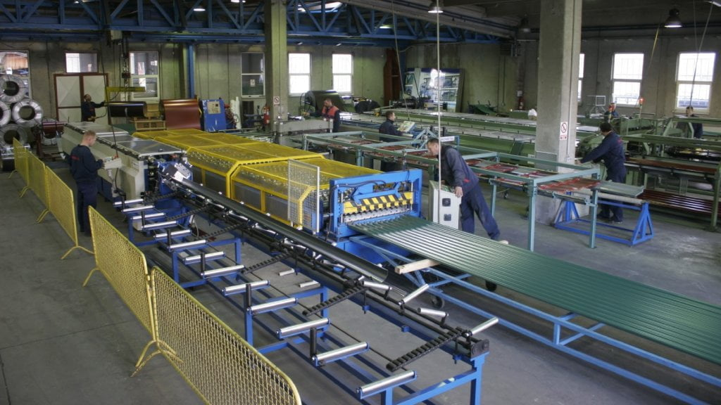 limometal proizvodnja kvalitet hala radnici lim profilisanje